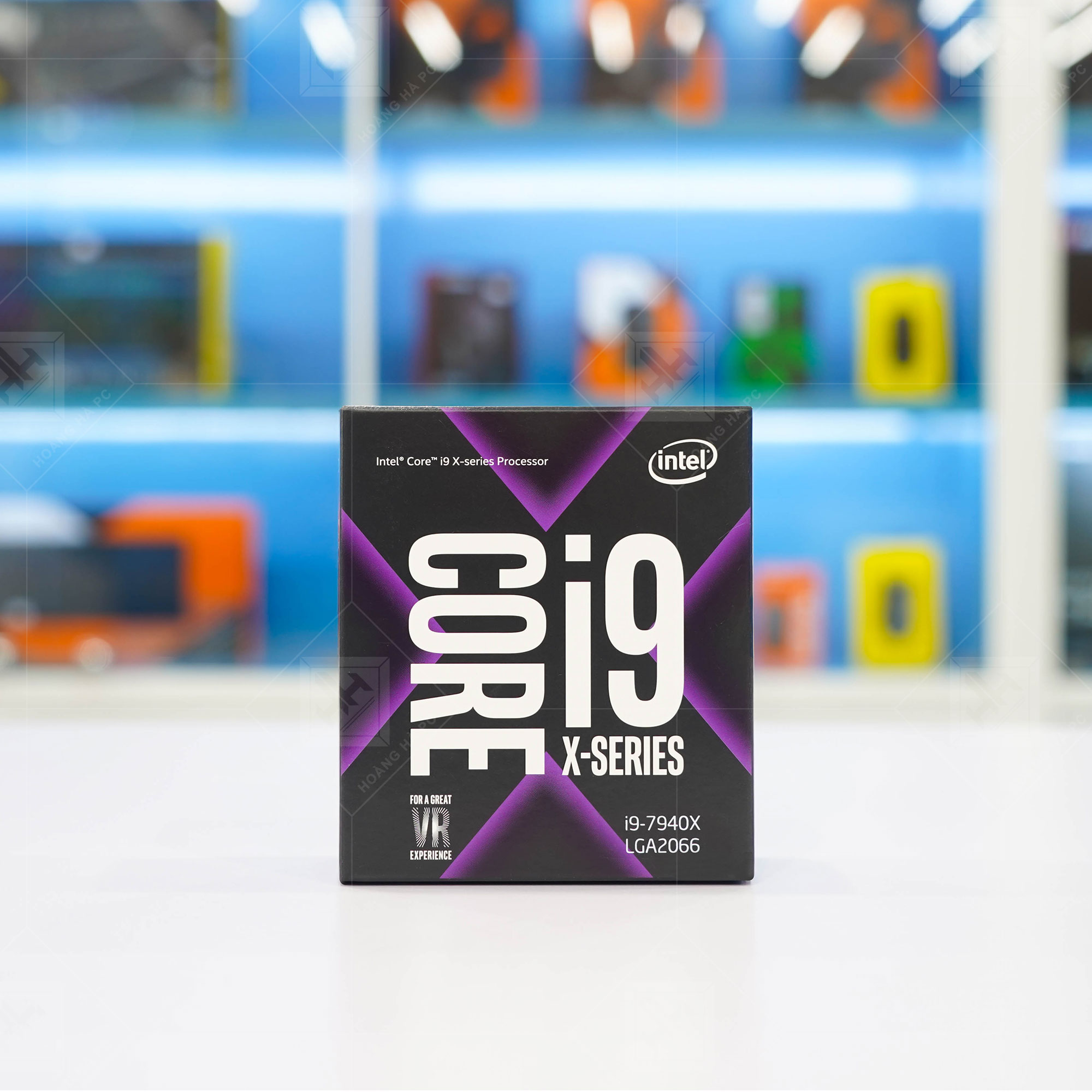 Intel Core i9 - 7940X 3.1 GHz Turbo 4.3 Up to 4.4 GHz / 19.25 MB / 14 Cores, 28 Threads / socket 2066